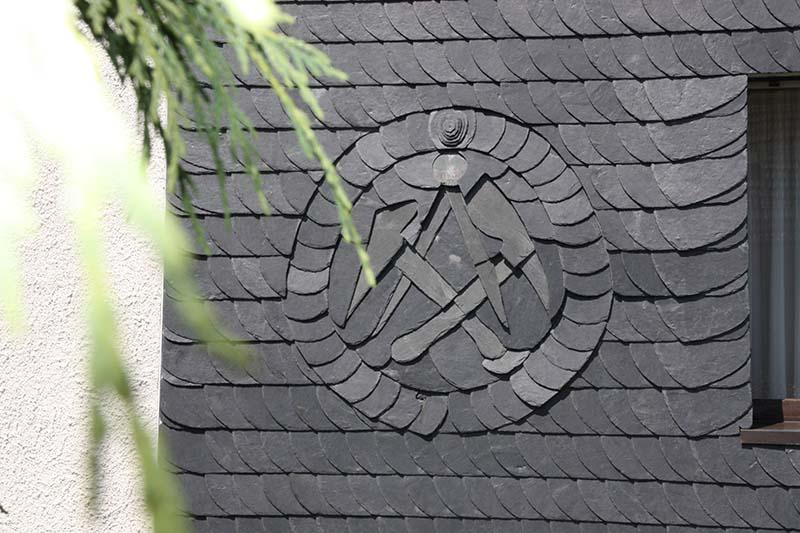 schiefereindeckungen rudolf hoffmann dachdeckermeister zimmerei. Black Bedroom Furniture Sets. Home Design Ideas